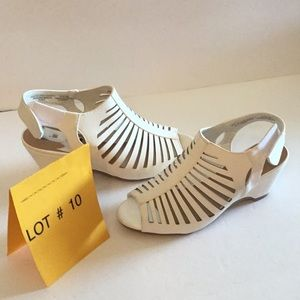 NWOT SODA wedge sandals in size 4 in white